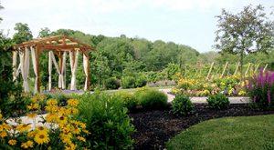 Brianza Gardens & Winery (Exit 72)